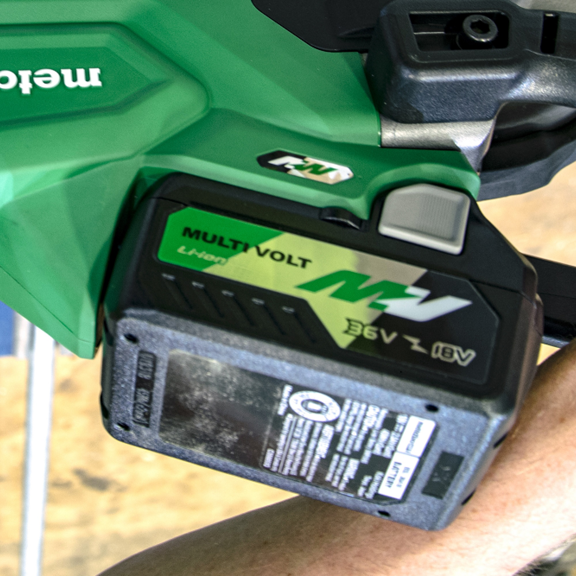 CB3612DA - Dual Power Convenience