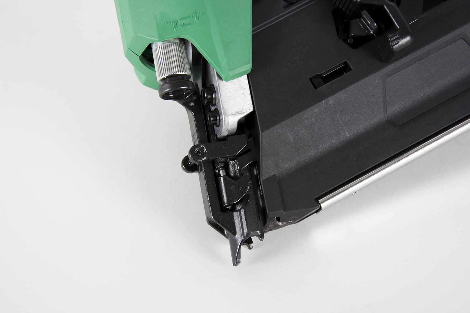 NR1890DRm Cordless Framing Nailer Detail 3