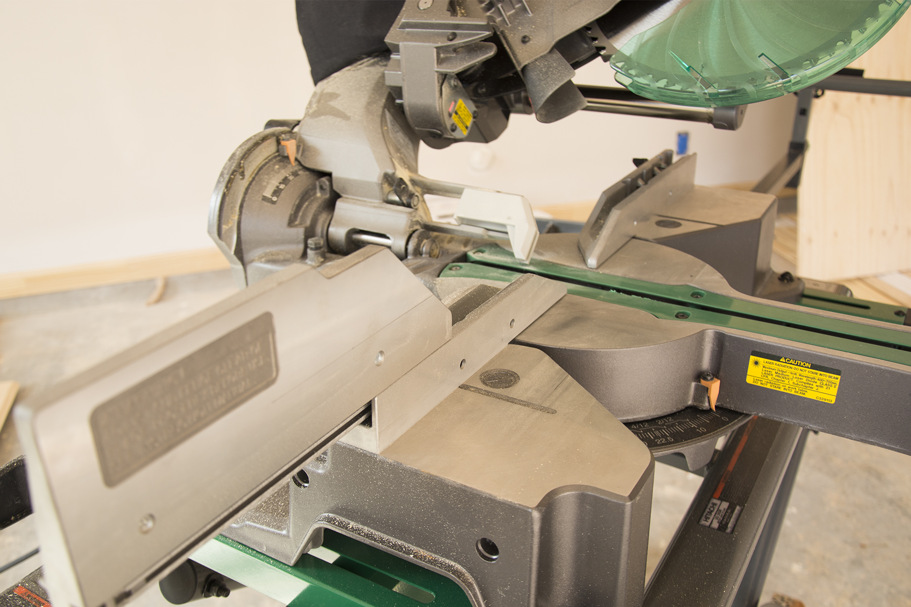 C12RSH2m Miter Saw FEATURE 2